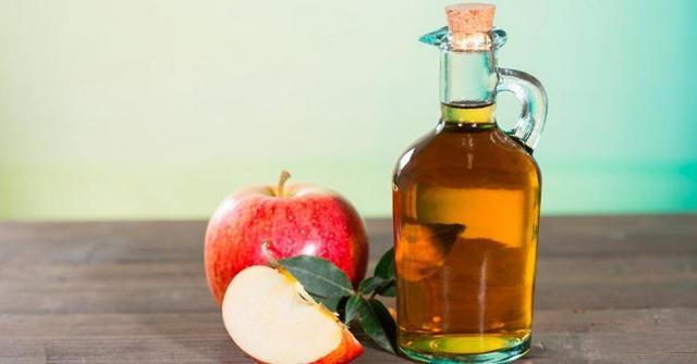 Яблочный уксус от перхоти: отзывы по использованию, рецепты как избавиться от перхоти и провести лечение с помощью уксуса в домашних условиях