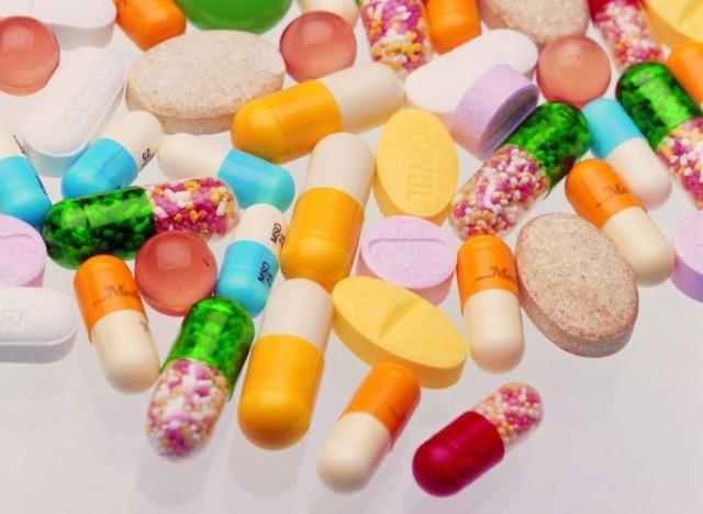 Таблетки от псориаза: витамины от заболевания волосистой части головы, лекарства которые помогают, отзывы, инструкция по применению, цена