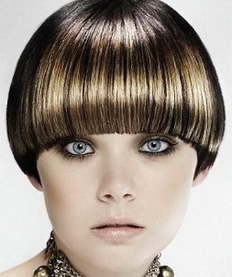 Стрижки для тонких волос: женские прически, придающие объем, на короткие, средней длины, жидкие, редкие, прямые, вьющиеся, непослушные локоны, фото, как сделать своими руками модную укладку до плеч с удлиненной челкой и без, лучшие варианты, как подстричь светлые, пушистые пряди пожилым, нужно ли филировать, как лучше красить