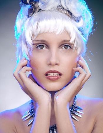 Желтизна волос: причины появления и как избавиться