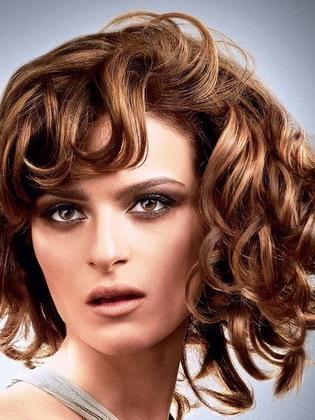 Стрижки на густые волосы: фото причесок на тяжелые, очень пышные локоны, как лучше уложить, подстричь, модные укладки на каждый день и красивые варианты для праздника
