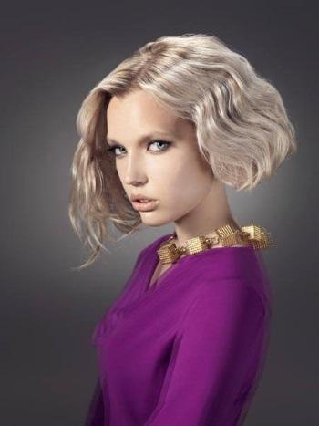 Стрижка боб на вьющиеся волосы: фото волнистой прически средней длины без укладки, кому подходит короткая модель, как красиво уложить для различных поводов, плюсы и минусы, альтернативные варианты, звездные примеры