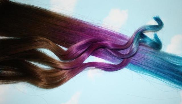 Как покрасить кончики волос в домашних условиях, виды (омбре, балаяж, dip dye) и цвета: светлые, цветные, красные, синие, розовые, фиолетовые, фото