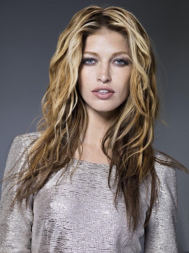 Мелирование на кудрявые волосы: фото до и после на вьющиеся, кучерявые, волнистые