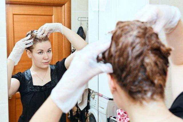 Темный цвет волос: фото красивых оттенков и их название, кому идет, старит ли, как сделать локоны темнее, окрашивание в домашних условиях красками и народными средствами