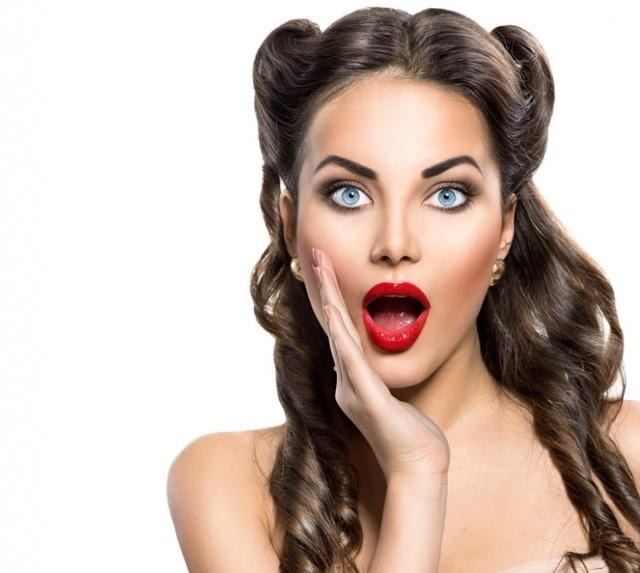 Прически в стиле диско: описание 80 х годов, фото вариантов укладки на длинные, короткие и средние по длине волосы, отличительные черты, подходящие аксессуары, выбор одежды, правила нанесения макияжа, пошаговые инструкции для самостоятельного выполнения, примеры знаменитостей
