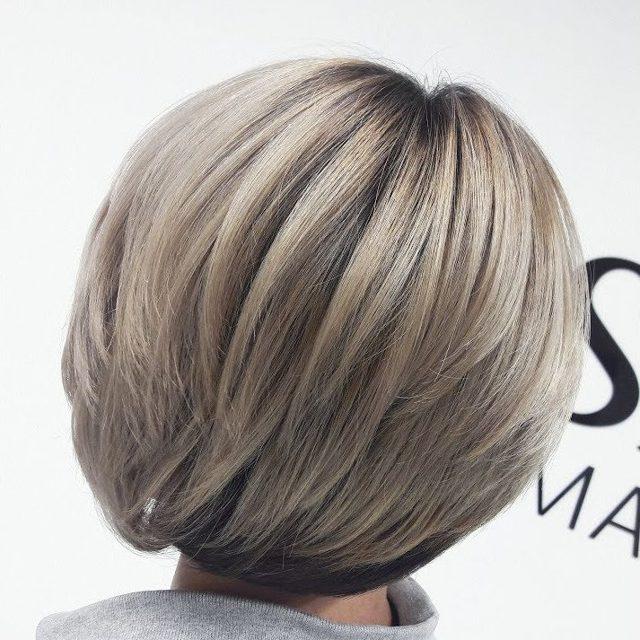 Окрашивание балаяж на светло- и темно-русые волосы средней длины, короткие и длинные, с челкой и без, техника окраски прямых, белых волос у блондинок в домашних условиях, фото и видео
