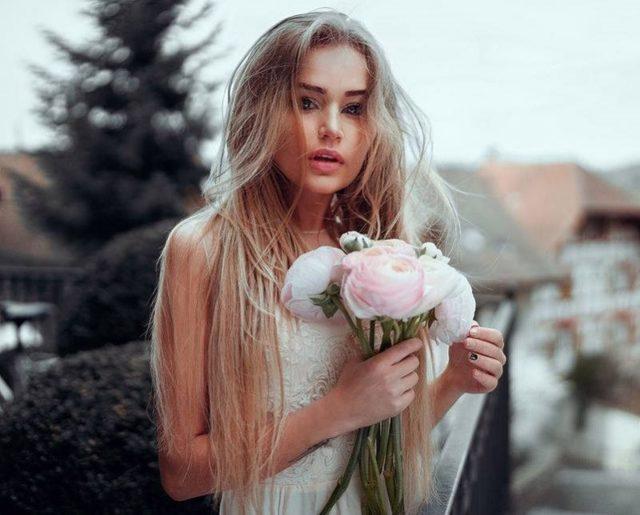 Прически 70-х годов: фото женских модных стрижек, одежды в стиле 1970, тенденции моды, что носили и как красились женщины, описание того времени, самые популярные укладки на длинные, средние и короткие волосы, как их сделать самостоятельно, что для этого нужно, звездные примеры