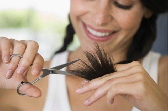Как подстричь секущиеся кончики по всей длине в домашних условиях самостоятельно, можно ли это делать самой себе, как убрать поврежденные волосы без стрижки