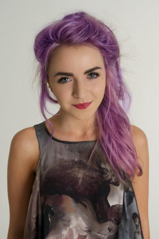 Фиолетовый цвет волос: фото оттенков (пепельный, темный, сливовый, сиреневый, серый и другие), как покрасить в нужный тон, кому идет, лучшие краски и оттеночные средства
