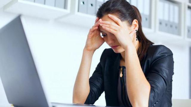 Почему болят корни волос на голове: причины от чего болят луковицы на макушке, затылке, когда грязные волосы, после хвоста, что делать, если выпадают при этом, лечение, уход
