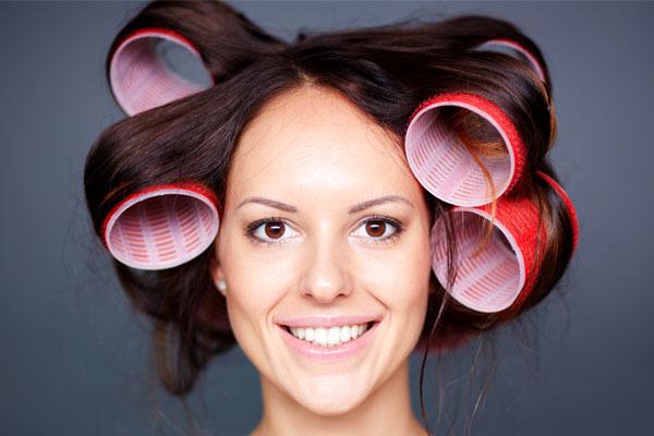 Бигуди на короткие волосы: какие бигуди лучше для коротких волос (липучки, термо, поролоновые, папильотки-бумеранги, бархатные), как правильно накрутить каре или боб на бигуди, фото
