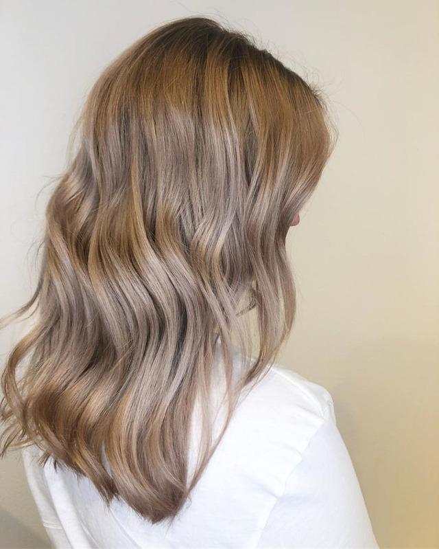 Бежевый цвет волос: фото оттенков (бежевый блондин, темный, светлый, морозный и другие), как добиться нужного тона без желтизны, палитра краски, отзывы какая лучше