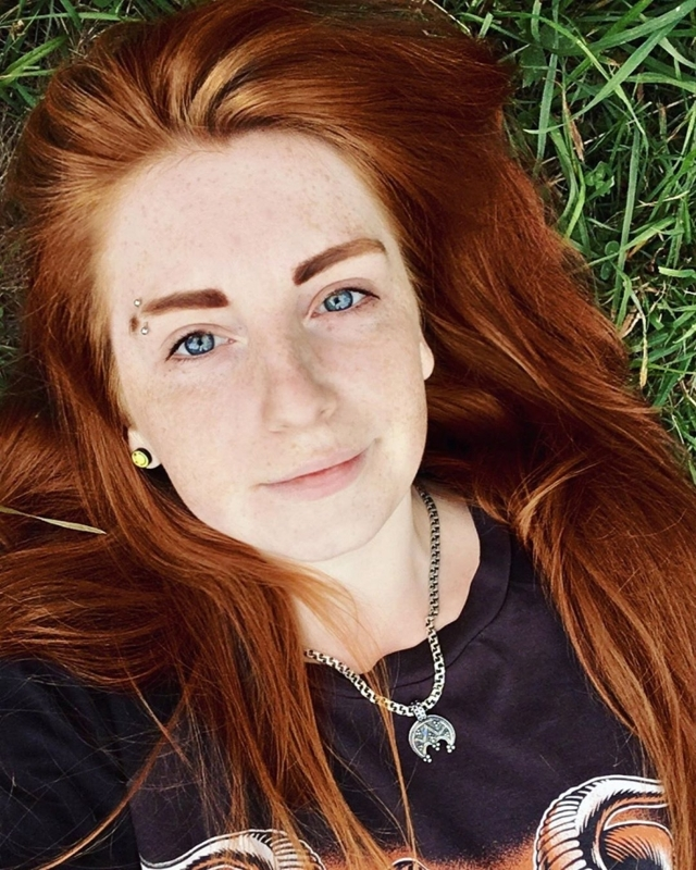 Цвет волос для голубых глаз: какой оттенок локонов подходит девушкам и парням с синими и серо-голубыми глазами (черный, темный, рыжий, шоколадный и тп), фото