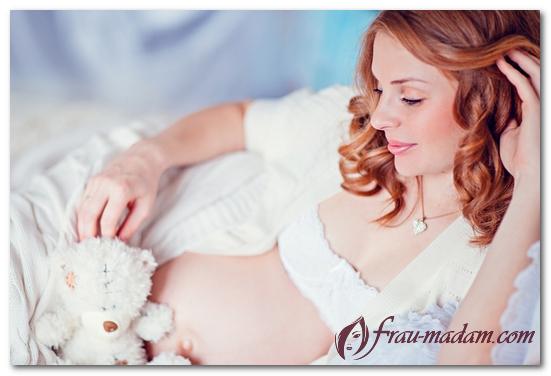 Можно ли делать мелирование: при беременности, во время месячных, при грудном вскармливании, вредно ли, отзывы, мнение врачей, советы парикмахеров