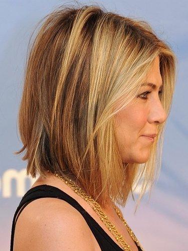 Причёски Дженнифер Лопез в разные годы карьеры и сейчас: фото с короткой стрижкой, с челкой, длинными волосами, как называются, кому подходят, самая известная укладка звезды
