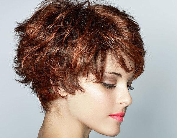 Прически для непослушных волос: фото, средства для укладки, легкие женские стрижки, закрывающие уши, на средние, густые, прямые, пушистые, волнистые, короткие, вьющиеся пряди, до плеч, пляжные и другие актуальные варианты для разных типажей внешности, особенности ухода