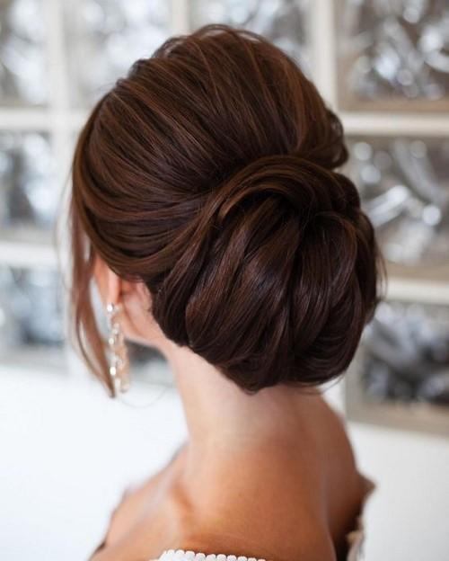 Как сделать шишку из волос на голове: как правильно собрать красивую объемную прическу на длинные, средние, короткие волосы, фото разновидностей (низкая, с распущенными локонами), видео